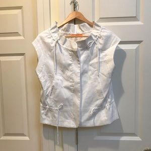 Cynthia Steffe Tops - Cynthia Steffe White Vest With Gold Zipper Infront